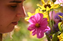 Smelling_flowers