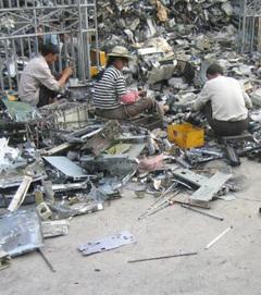 Ewaste_recycling_china_4